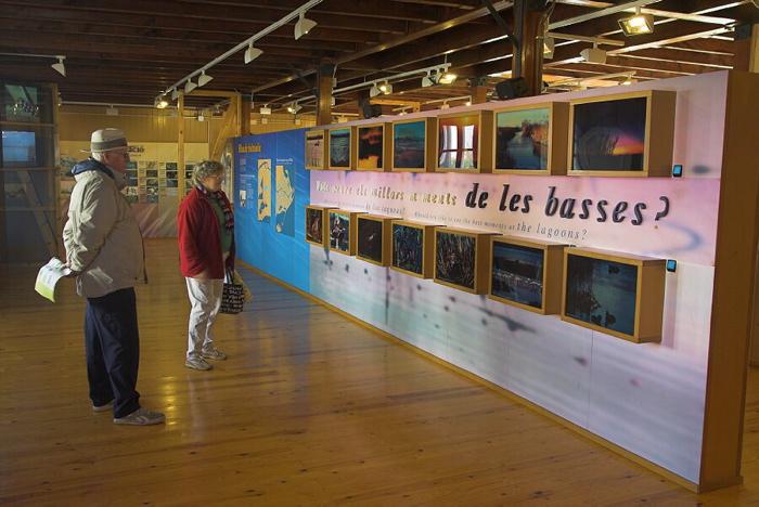 """L'Exposició permanent """"Les basses del Delta"""" se troba a l'interior de la Casa de Fusta"""
